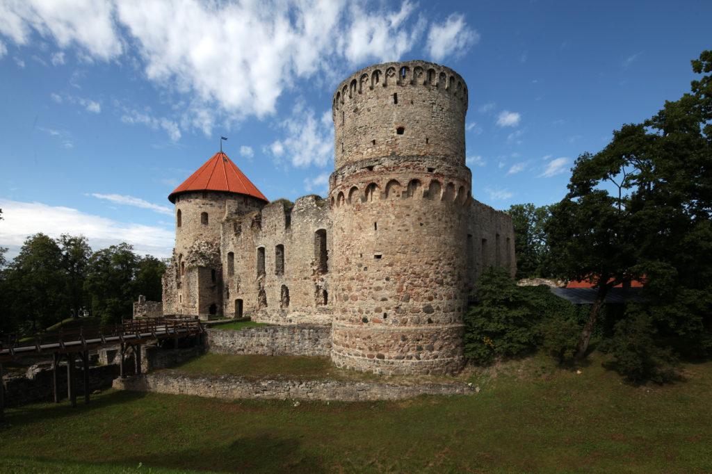 Cēsu pils, īslaicīgi Livonijas mestra rezidence